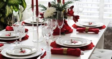 fiori tavola rossi natale