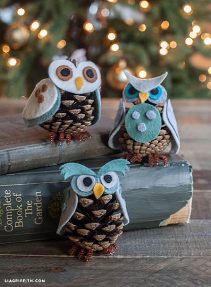 Owl_Ornaments_Felt_Pinecone.jpg