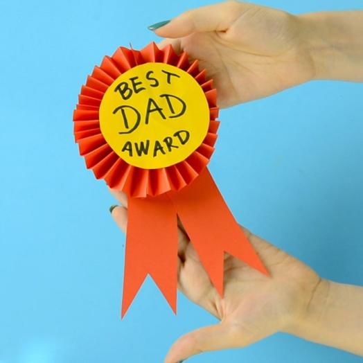 Award-Ribbon-Fathers-Day-Craft.jpg