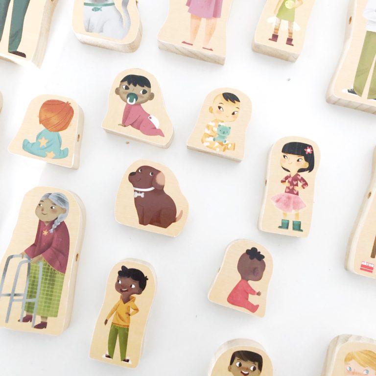 juego-montessori-para-la-psicomotricidad-fina-enlazar-familias-del-mundo-akros-6-768x768.jpg